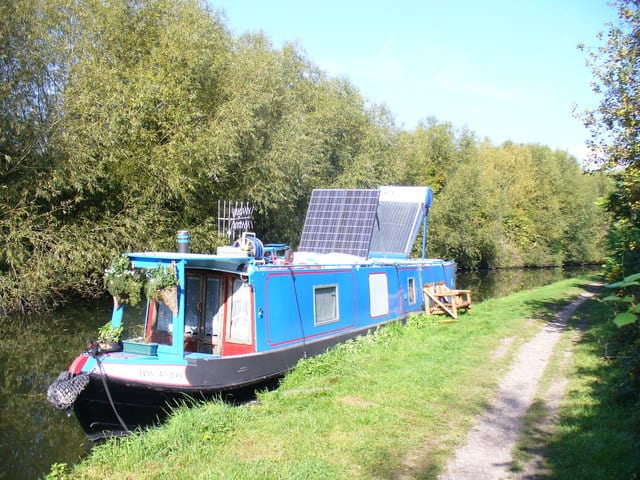 best narrowboat solar systems reviewed in this article.