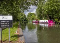 Can You Moor A Canal Boat Anywhere?